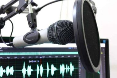 7 Best Mics For Noisy Environment in 2021