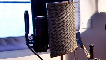 11 Best Reflection Filter For Recording Vocals