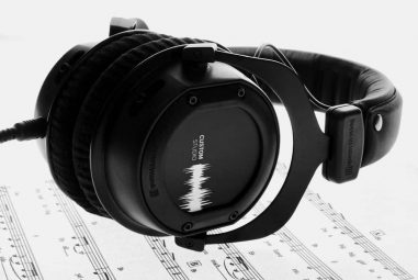11 Best Studio Headphones Under 200 Dollars