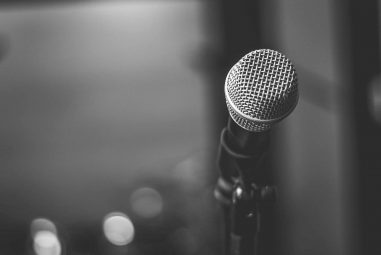 Condenser vs Dynamic Microphone: What Is The Difference?
