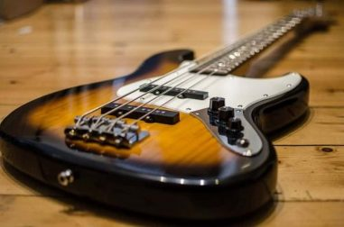 Guitar vs Bass – Which One Should You Opt For?
