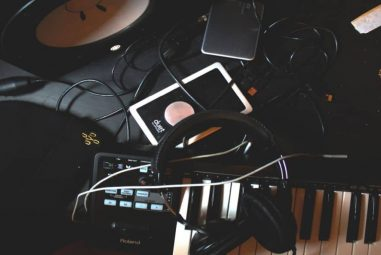 How To Connect Midi Keyboard To Audio Interface?