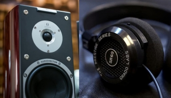 Studio Monitors vs Headphones for Mixing